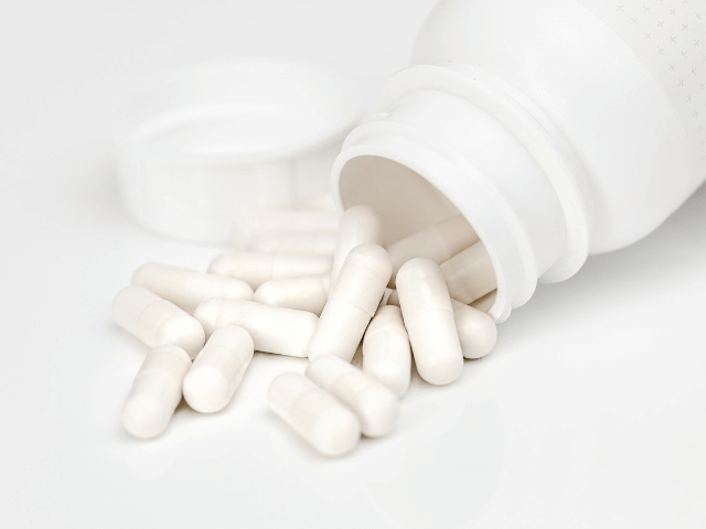 白いカプセルの薬
