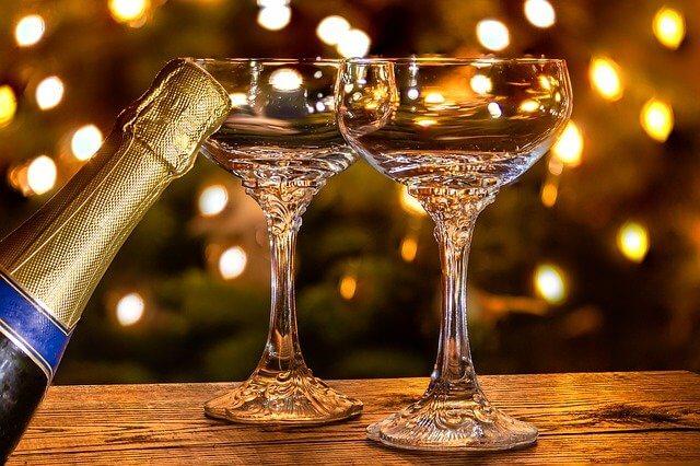 シャンパンとシャンパングラス