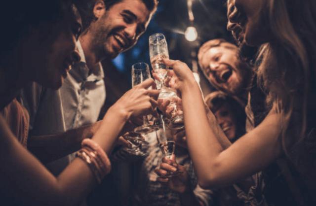 ギャラ飲みで男女のパーティー