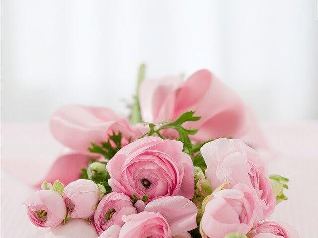 バレんタイに送るピンクのバラのブーケ
