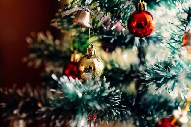 アップになったクリスマスツリー