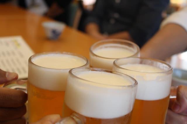 梅田の居酒屋で乾杯
